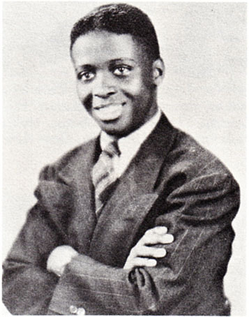 1945. Junior Mance, jeune diplômé de la High School d'Evanston © photo X, archives Jazz Hot