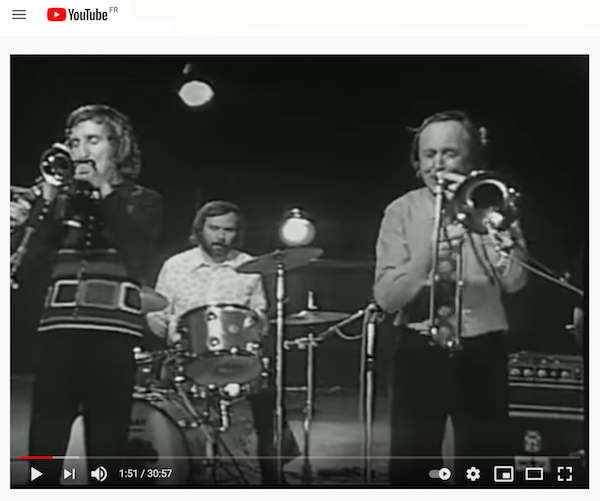 Pat Halcox (tp), Graham Burbidge (dm), Chris Barber (tb), Jazz Harmonie, France, septembre 1972, vidéo YouTube, cliquez sur l'image