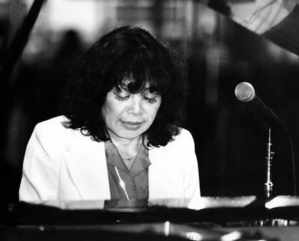 Toshiko Akiyoshi, At Disneyland with Akiyoshi-Tabackin Big Band, Anaheim, California, 1983 © Ray Avery/CTSIMAGES