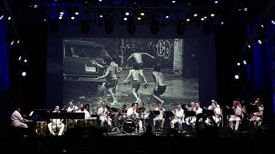 Bobby Sanabria Multiverse Big Band perform West Side Story Reimagined at Lincoln Center, NYC Aug.10, 2018 for over 8,000 people © Maria Traversa by courtesy of Bobby Sanabria