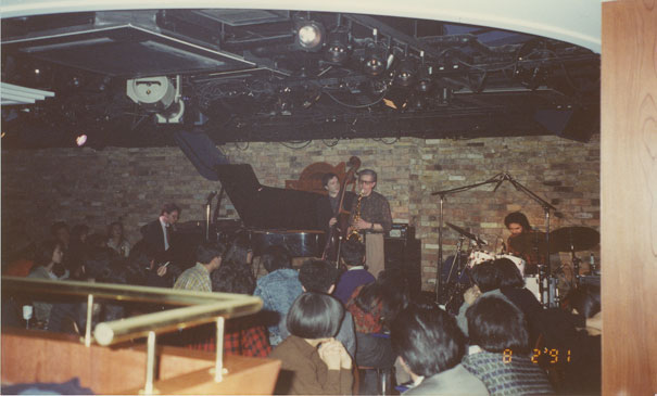 Le Barney Wilen Quartet (Olivier Hutman, Gilles Naturel, Barney Wilen, Peter Gritz) au Keystone Korner de Tokyo, février 1991  © photo X, extraites de l'album Barney Wilen Quartet, Live in Tokyo '91, by courtesy of Elemental Music Records