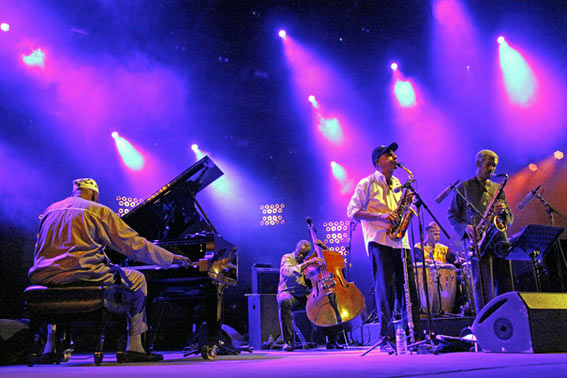 Randy Weston, Alex Blake, TK Blue, Neil Clarke, Billy Harper, Jazz à Vienne, 4 juillet 2016 © Pascal Kober