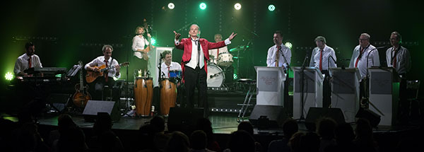 Robeurt Féneck & Mad in Swing Big Band © Didier Pallagès by courtesy